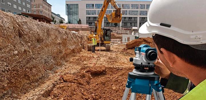 geotecnicos estudiando la mecancia de los suelos