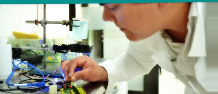 ingeniero en nanotecnologia laboratorio