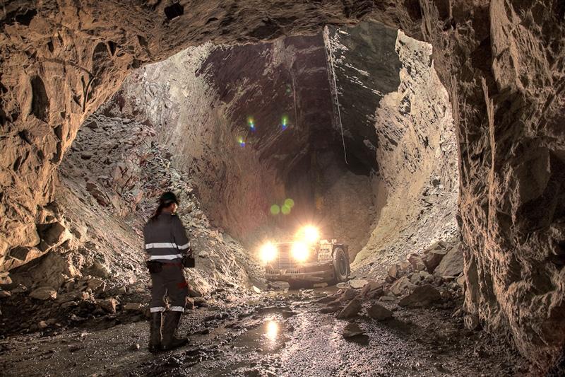 cueva hecha por master en mineria