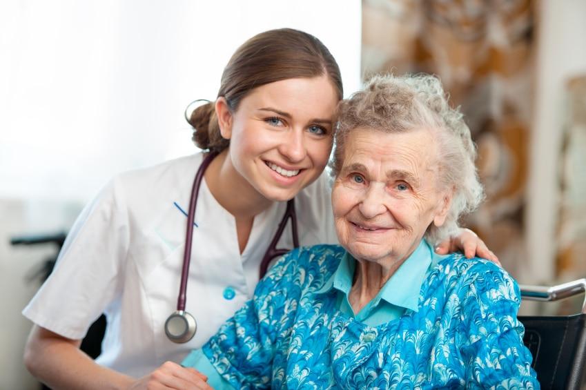 Enfermería geriátrica: Definición, funciones y mucho más